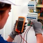 Как выполнить ремонт электрики в квартире