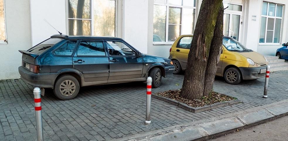 Порядок действий если машина мешает вам на тротуаре
