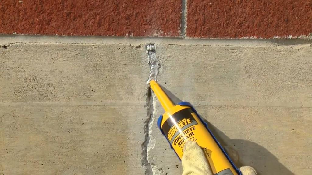 Заделывание щелей в стенах